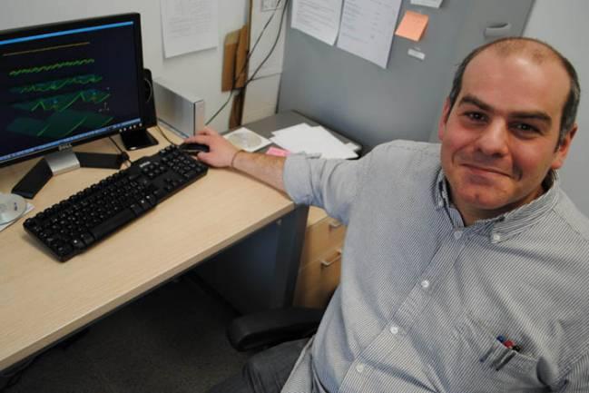Antonio J. Pons, investigador del grupo de Dinámica y Óptica no Lineal y Láseres de la Universitat Politècnica de Catalunya (UPC)