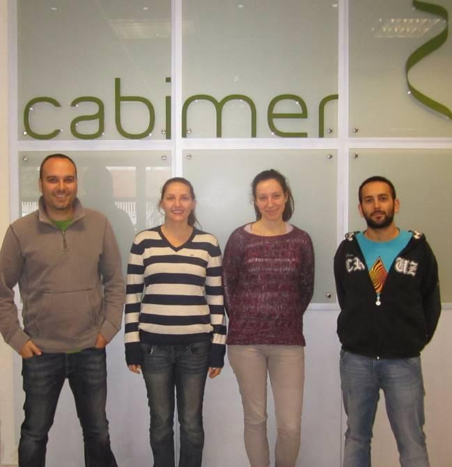 Autores del estudio en los laboratorios del CABIMER