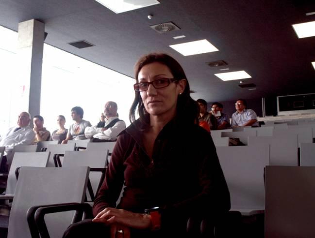 La investigadora de la Universidad de Lérida Carmen Espinet presenta su trabajo en Salamanca.