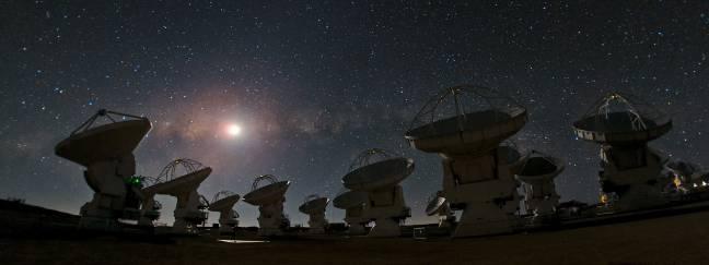 El radiotelescopio ALMA en el desierto de Atacama