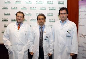 Los doctores Jordi Bruix, Josep Mª Llovet y Augusto Villanueva