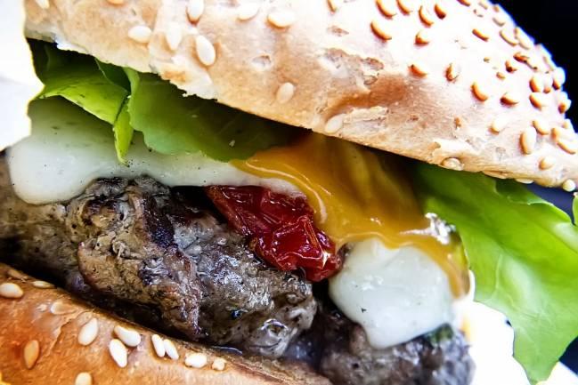 De momento no se comercializan hamburguesas enriquecidas con calcio. / Thomás.