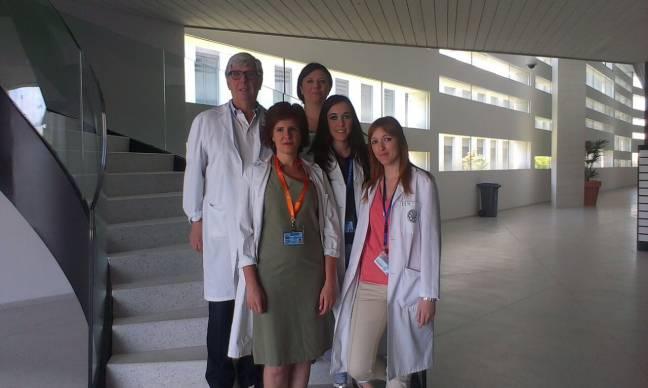 el equipo de científicos de la UGR que ha llevado a cabo esta investigación. De izquierda a derecha: Gerald Valenza Demet, Mª Paz Moreno, Marie Carmen Valenza, Irene Torres e Irene Cabrera.