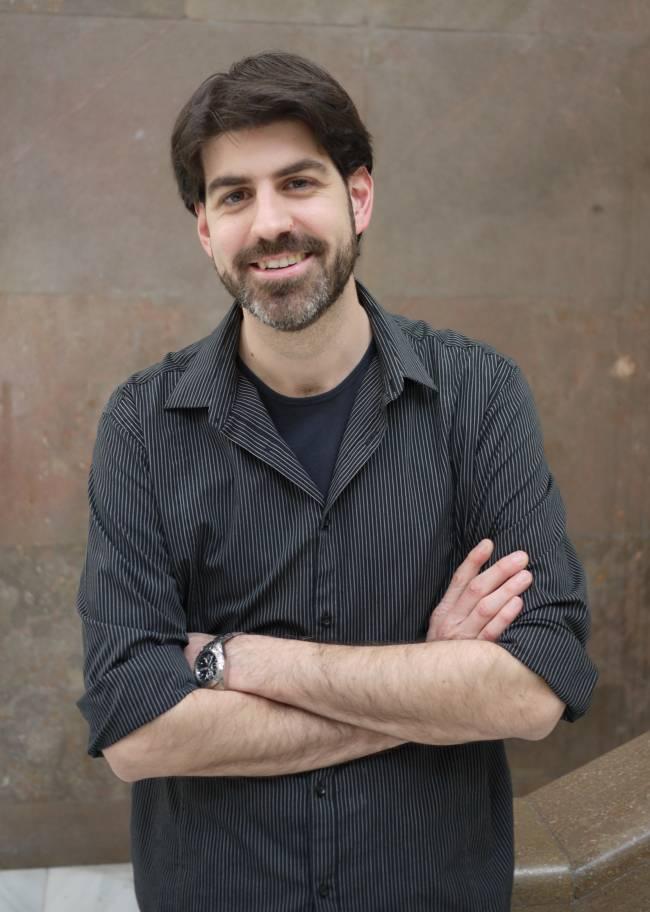 El investigador de la UV Carlos Romá-Mateo
