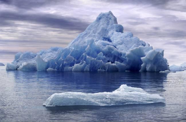 Según el estudio, la capa de hielo antártida es mucho más sensible de lo que se estimaba. / Dnkemontoh