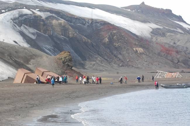 Actividades turísticas en Isla Decepción, Antártida