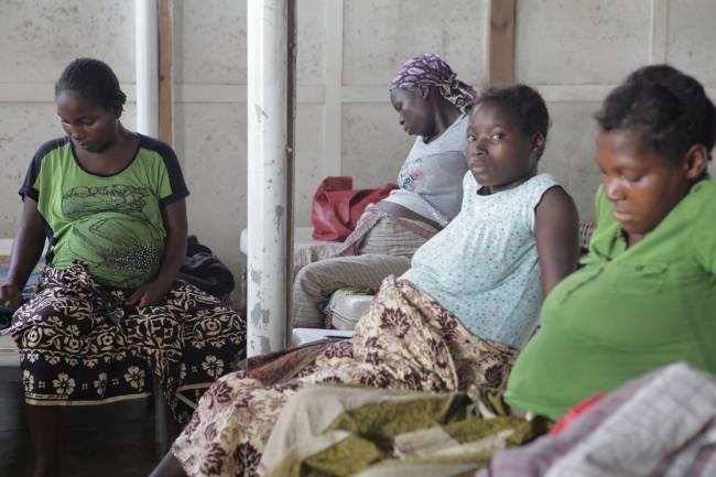 Mujeres embarazadas en el Hospital Distrital de Manhiça, en Mozambique