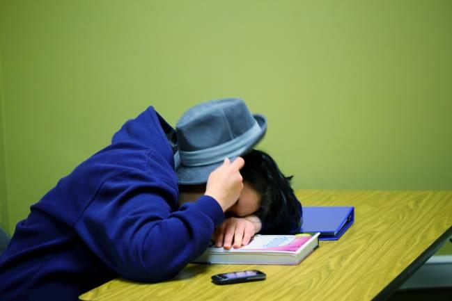 Los adolescentes duermen menos según cumplen años. /  D Sharon Pruitt.