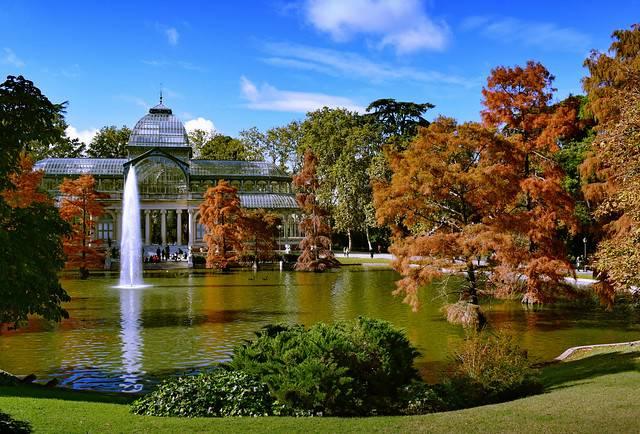El parque de El Retiro es el pulmón verde de Madrid y un punto turístico.  / Jocelyn Erskine- Kellie.