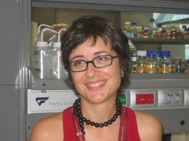 Juana Díez, directora de la Unidad de Virología Molecular del CEXS-UPF