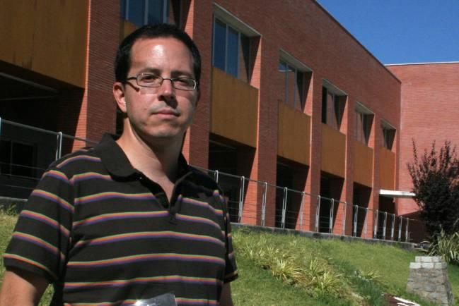 Francisco Toscano es autor de la publicación