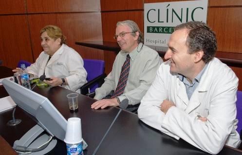 La Dra. Gallart, el Dr. Gatell y el Dr. García, del Clínic de Barcelona