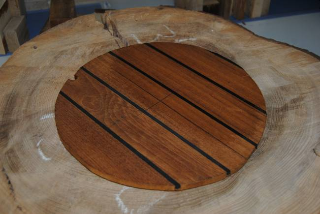 Muestra de madera de fresno torrefactada