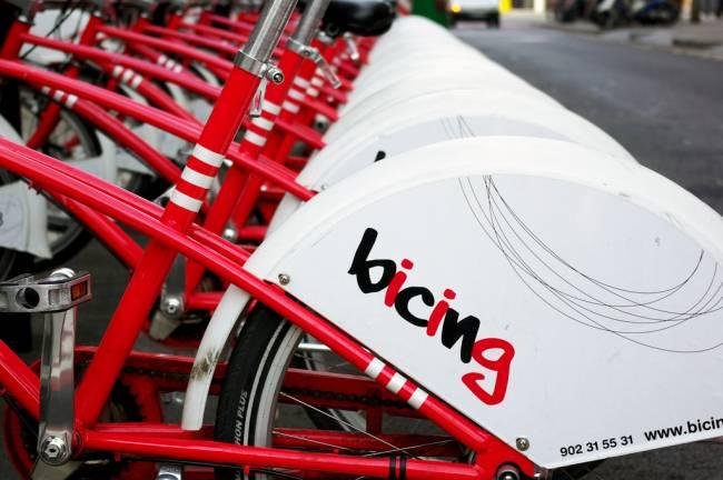 Bicicletas en una calle de Barcelona