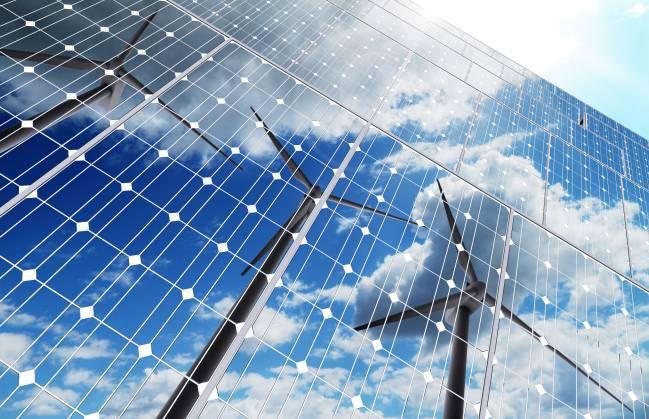 paneles solares y molinos