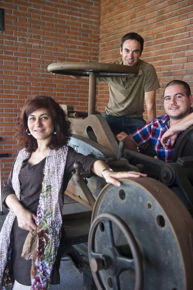 Los autores de la investigación, de izquierda a derecha: Azucena Vicente, Unai Tamayo y Julen Izaguirre.