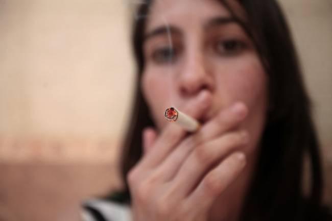 El número de fumadoras aumentó en un 7 %. / SINC