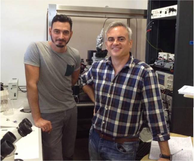 En la fotografía, Andrade-Talavera y Rodríguez-Moreno, del equipo de la UPO