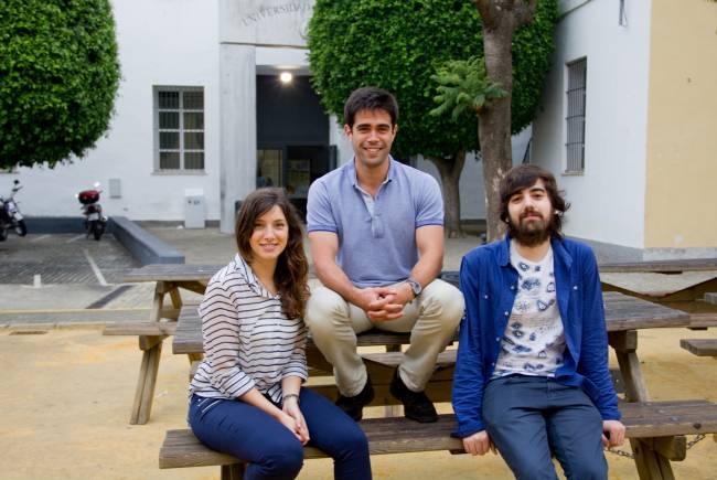 Tres de los promotores de la plataforma Workinside en el Campus Macarena de la US