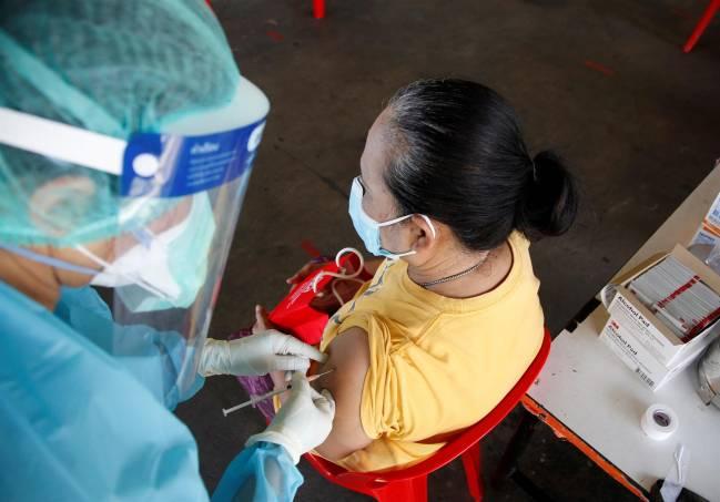 Persona vacunada con CoronaVac