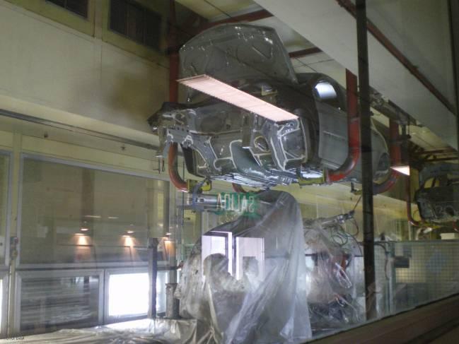 La mayor parte de los robots industriales se aplican en procesos de soldadura, pintura y manipulación de piezas.