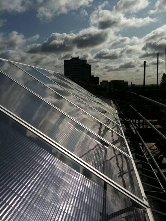 Los paneles solares térmicos reducen las emisiones de gases de efecto invernadero.