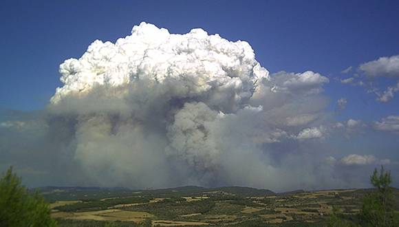 Incendio convectivo en Cardona 08-05-2005, autor: Bombers de la Generalitat de Catalunya: