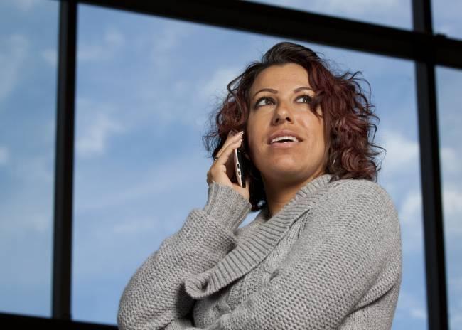 Mujeres y hombres prefieren que sus jefes tengan voz grave. Imagen: Randy Kashka
