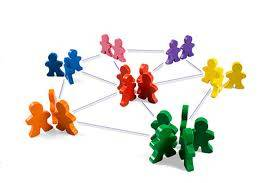 Las redes sociales fortalecen las relaciones personales.