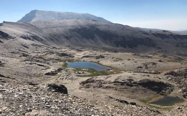 Laguna en Sierra Nevada