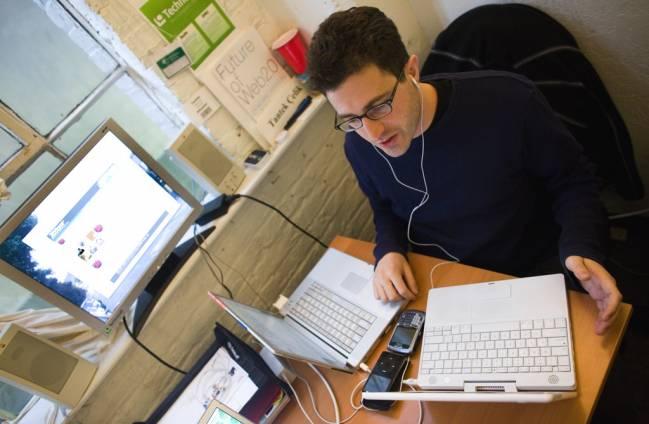 Las personas que se obsesionan con el trabajo nunca están satisfechas con ningún resultado / Thomas Hawk (CC BY-NC 2.0).