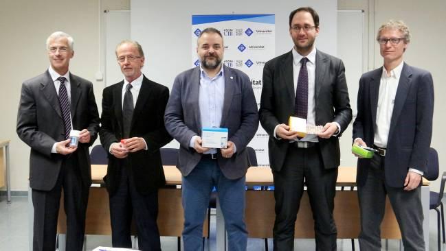 Carlos Moreu, M4 Pharma; Fèlix Grases, UIB; Jordi Llabrés, UIB; Rosendo Garganta, Devicare; y Antonio Baldi, CSIC. Foto: UIB