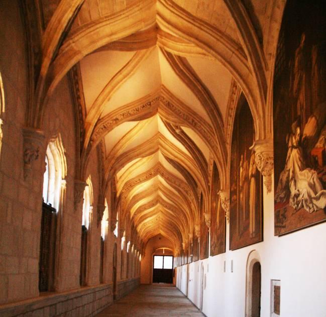 Claustro del monasterio de Santa María de El Paular con las obras de Vicente Carducho / Tamorlan.