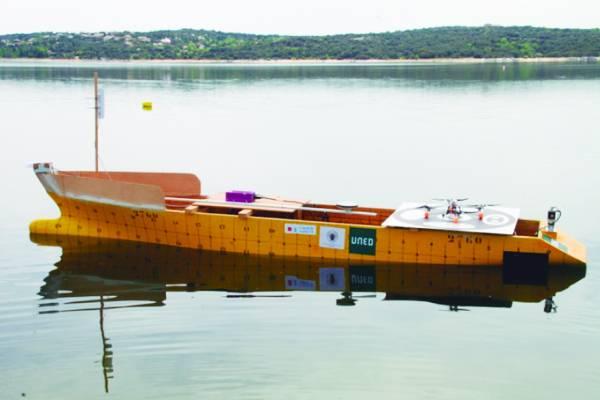 El modelo se comprobó con un barco a escala de 4,38 metros de eslora / DMS.