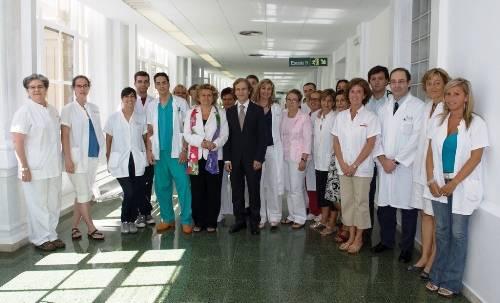 El equipo del Clínic, con la Consejera de Salud Marina Geli