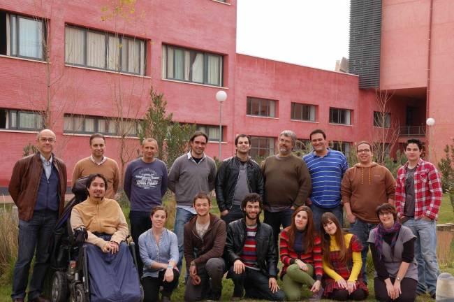 Profesores y alumnos de la Pablo de Olavide componen el proyecto FlashBacter