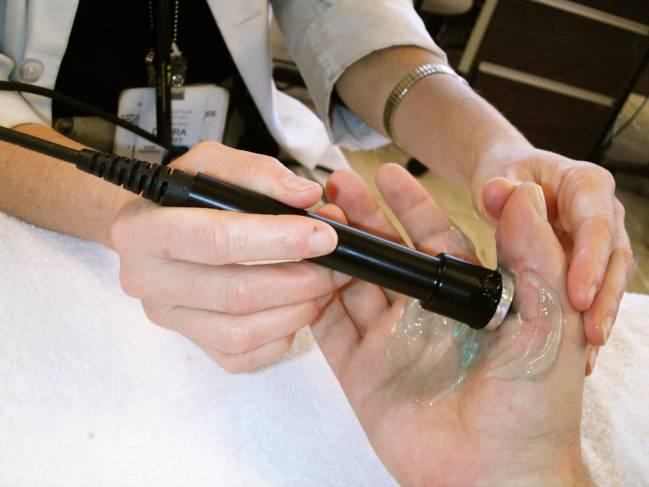 Ultrasonidos como los utilizados en terapias de rehabilitación activan las nanopartículas / Patrix.
