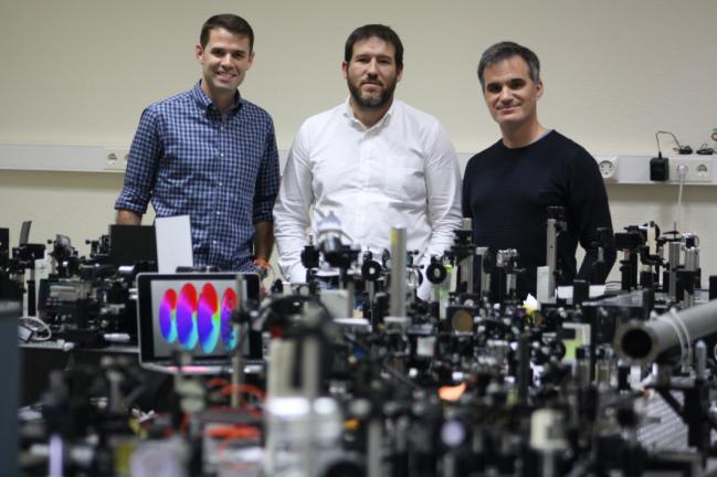 El artículo ha causado un gran impacto en su campo, ya que abre las puertas a muchas aplicaciones en el campo de la nanociencia
