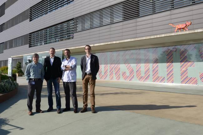 De izquierda a derecha: Jaume Mora, director científico de Oncohematología del Hospital Sant Joan de Déu; Joan Bertran, CEO de Cebiotex; Lucas Krauel, cirujano del Hospital Sant Joan de Déu, asesor científico y socio de Cebiotex, y José Antonio Tornero, investigador de la UPC y director tecnológico de Cebiotex.