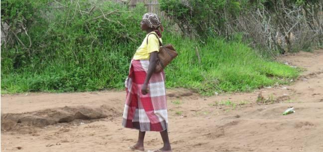 mujer africana embarazada
