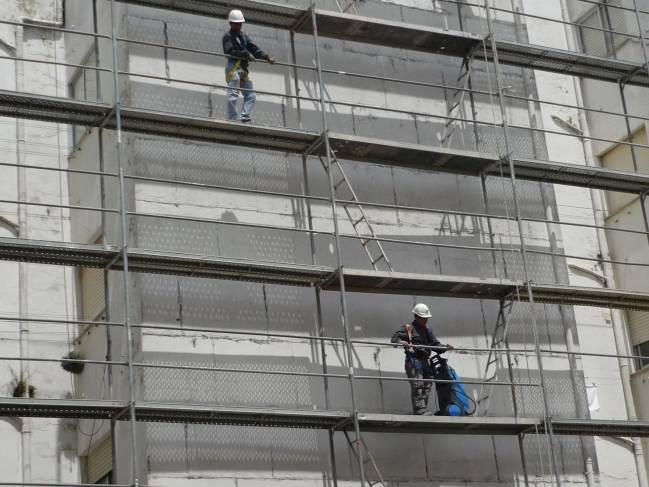 Casi la mitad de los varones inmigrantes se dedicaba a la construcción antes de la crisis. Imagen: Xornalcerto.