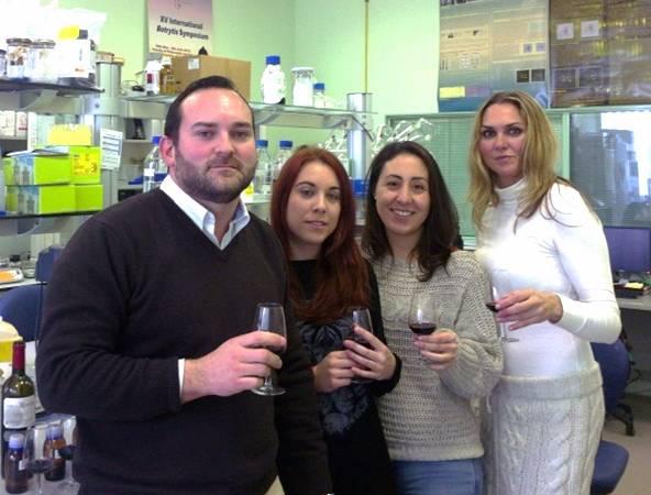 Investigadores del Centro Andaluz de Investigaciones Vitivinícolas (CAIV) de la Universidad de Cádiz / Fundación Descubre