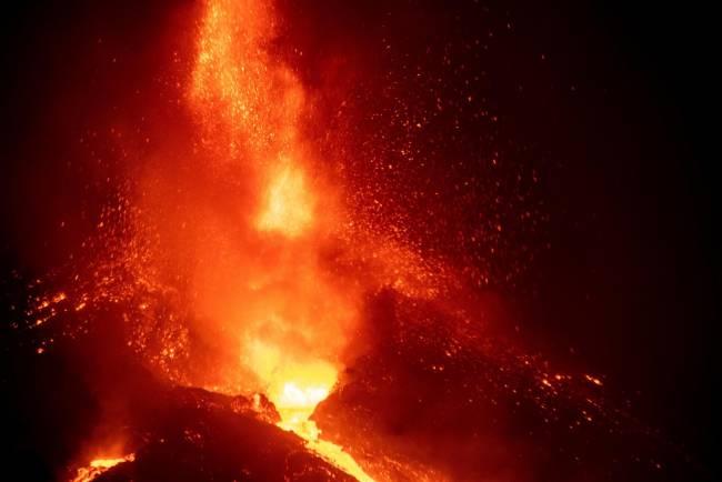 Caída de una parte del cono del volcán de Cumbre Vieja