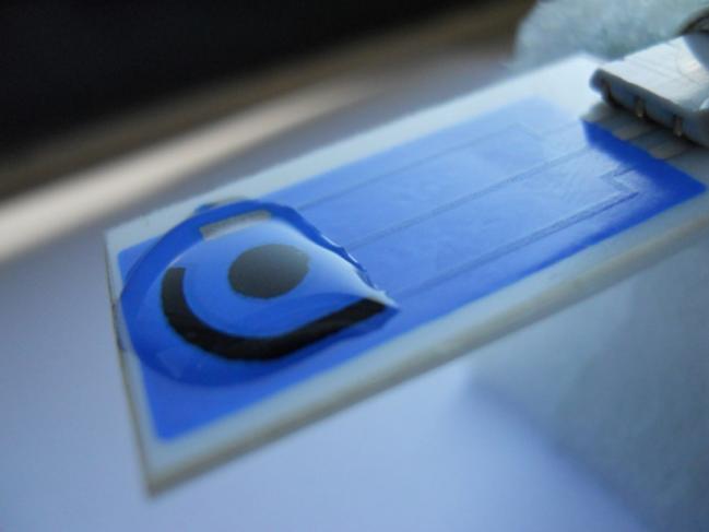 El Grupo de Investigación Electroanálisis (ELAN) de la Universidad de Burgos ha desarrollado y patentado estos sensores basados en tecnología serigráfica