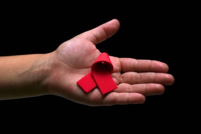 La baja autoestima de personas con VIH es fruto de la identidad devaluada del colectivo / Andrew Stevens H (CC BY 2.0).