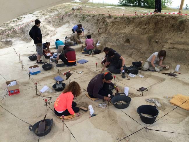 Excavaciones en el yacimiento de Somosaguas en la campaña de 2016. / Soledad Domingo.
