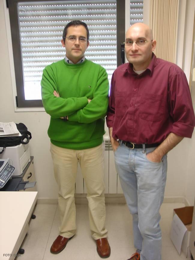 Los investigadores del Departamento de Informática Diego Rafael Llanos (izq) y Arturo González.