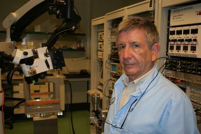 El catedrático José María Delgado, responsable en la UPO del proyecto HIVE