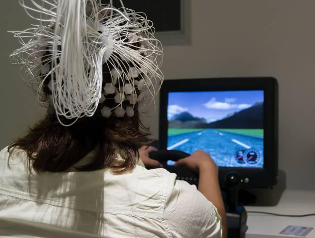 Simulador de conducción empleado en el estudio.