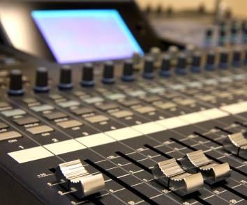 Mesa de control de audio (UC3M)